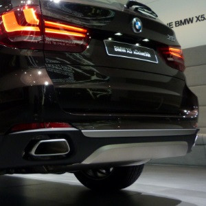 BMW M Performance Endrohrblenden chrom inkl. Verkleidung Stoßfänger X5 F15 25d 25dX mit Exterieur-Design Pure