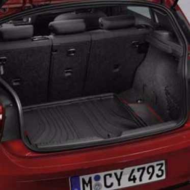 BMW Gepäckraumformmatte Sport schwarz mit rotem Rand 2er F45 ActiveTourer mit verschiebbarer Rückbank