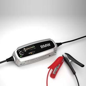 Original BMW Batterieladegerät 5,0 Ampere 1er E81 E82 E87 E88 3er E46 E90 E91 E92 E93 5er E39 E60 E61 6er E63 E64 7er E38 E65 E66 G11 G12 X1 E84 X3 E83 X5 E53 E70 X6 E71 E72 Z4 E85 E86 E89