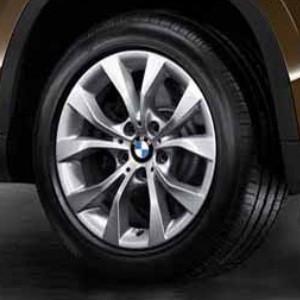 BMW Alufelge V-Speiche 318 7,5J x 17 ET 34 Silber Vorderachse / Hinterachse BMW X1 E84