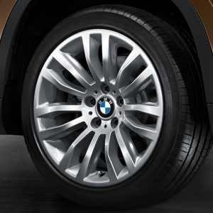 BMW Winterkompletträder Doppelspeiche 321 silber 18 Zoll X1 E84