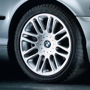 BMW Alufelge Doppelspeiche 51 silber 8J x 17 ET 47 Vorderachse/Hinterachse BMW 3er E46