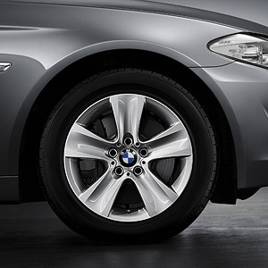 BMW Alufelge Sternspeiche 327 8J x 17 ET 30 Silber Vorderachse / Hinterachse BMW 6er F06 F12 F13 5er F10 F11