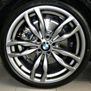 BMW Alufelge M Doppelspeiche 434 8,5J x 20 ET 33 Ferricgrey Vorderachse 5er F10 F11 6er F06 F12 F13
