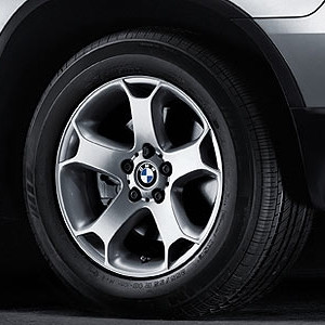 BMW Alufelge Y-Speiche 131 8J x 18 ET 40 Silber Vorderachse / Hinterachse BMW X5 E53