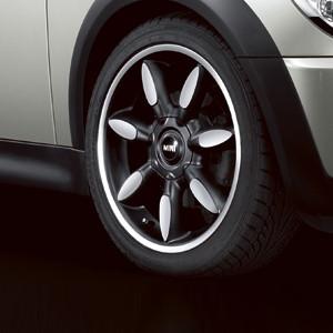 MINI Alufelge Night Spoke 106 7J x 17 ET 48 Silber Vorderachse / Hinterachse MINI R50 MINI Cabrio R52 R57 MINI R53 R56 MINI Clubman R55 MINI Coupe R58 MINI Roadster R59
