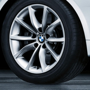 BMW Alufelge V-Speiche 245 8J x 17 ET 20 Silber Vorderachse / Hinterachse BMW 5er E60 E61