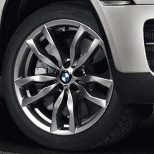 BMW Winterkompletträder M Doppelspeiche 435 silber 20 Zoll X5 E70 X6 E71