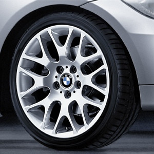 BMW Alufelge Kreuzspeiche 197 8,5J x 18 ET 37 Silber Hinterachse BMW 3er E90 E91 E92 E93