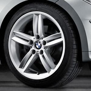 BMW Alufelge M Doppelspeiche 208 8,5J x 18 ET 52 Silber Hinterachse BMW 1er E81 E82 E87 E88