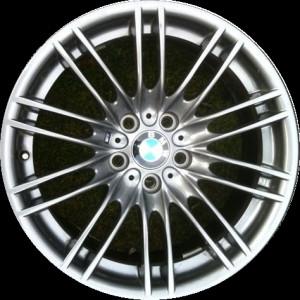 BMW Alufelge M Doppelspeiche 260 9,5J x 18 ET 23 Reflexsilber Hinterachse BMW 3er E90 E92 E93