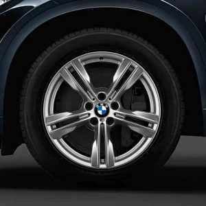 BMW Winterkompletträder M Doppelspeiche 467 silber 19 Zoll X5 F15 RDCi