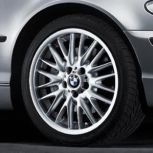 BMW Alufelge M V-Speiche 72 silber 8,5J x 18 ET 50 Hinterachse BMW 3er E46