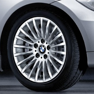 BMW Alufelge Radialspeiche 187 8J x 17 ET 34 Silber Vorderachse / Hinterachse BMW 3er E90 E91 E92 E93