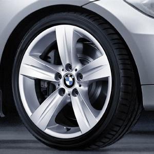 BMW Alufelge Sternspeiche 189 8J x 18 ET 34 Silber Vorderachse BMW 3er E90 E91 E92 E93