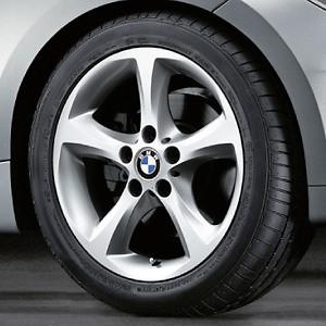 BMW Winterkompletträder Sternspeiche 256 silber 17 Zoll 1er E81 E82 E87 E88
