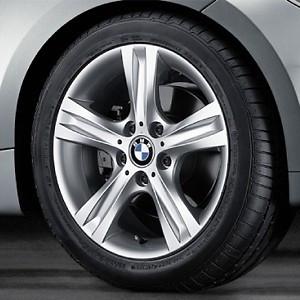 BMW Kompletträder Sternspeiche 262 silber 17 Zoll 1er E81 E82 E87 E88 (Mischbereifung)