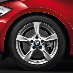 BMW Alufelge Sternspeiche 371 7J x 17 ET 47 Silber Vorderachse / Hinterachse BMW 1er E81 E82 E87 E88