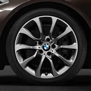 BMW Alufelge Turbinenstyling 453 9J x 19 ET 44 silber / glanzgedreht Hinterachse 5er F10 6er F06 F12 F13