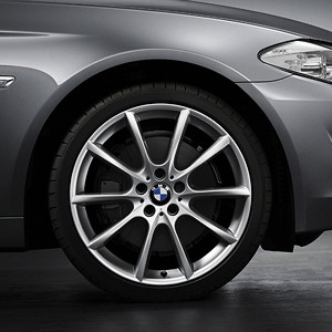 BMW Alufelge V-Speiche 281 9J x 19 ET 44 Silber Hinterachse 5er F10 6er F06 F12 F13