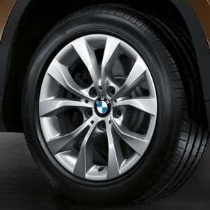 BMW Winterkompletträder V-Speiche 318 silber 17 Zoll X1 E84 RDC LC