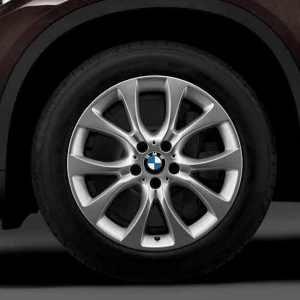 BMW Winterkompletträder V-Speiche 450 silber 19 Zoll X5 F15 RDCi