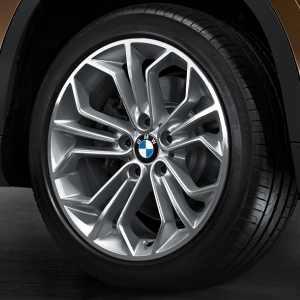 BMW Winterkompletträder Wabenstyling 323 bicolor (spacegrau / glanzgedreht) 18 Zoll X1 E84