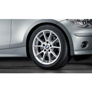 BMW Winterkompletträder Doppelspeiche 178 silber 17 Zoll 1er E81 E82 E87 E88