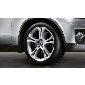 BMW Winterkompletträder Doppelspeiche 275 silber 21 Zoll X5M E70 X6 E71 E72