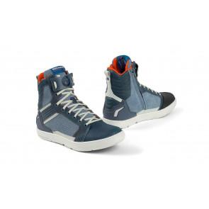 BMW Sneaker Ride