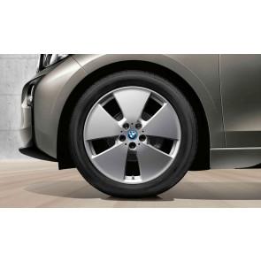BMW Winterkompletträder Sternspeiche 427 silber 19 Zoll i3 RDCi