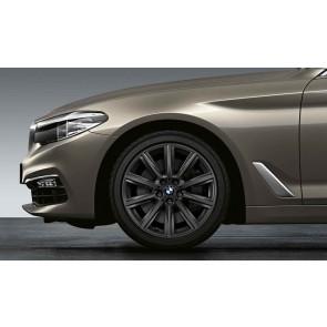 BMW Winterkompletträder V-Speiche 684 orbitgrey 18 Zoll 5er G30 G31 RDCi