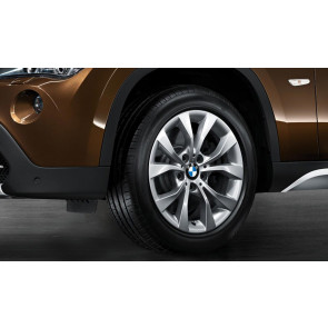 BMW Kompletträder V-Speiche 318 silber 17 Zoll X1 E84