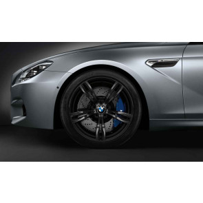 BMW Alufelge M Doppelspeiche 343 geschmiedet schwarz matt 10J x 20 ET 34 Hinterachse 5er F10 M