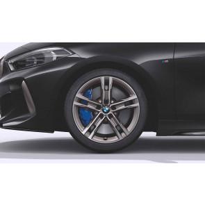 BMW Winterkompletträder M Doppelspeiche 556 bicolor (ceriumgrau matt / glanzgedreht) 18 Zoll 1er F40 2er F44 RDCi