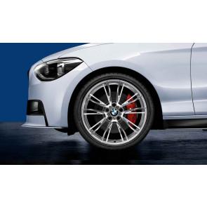 BMW Kompletträder M Doppelspeiche 624 silber poliert 19 Zoll 1er F20 F21 2er F22 F23 RDCi (Mischbereifung)