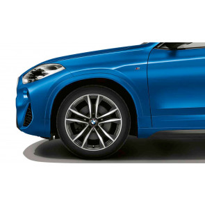 BMW Winterkompletträder M Doppelspeiche 715 bicolor (orbitgrey / glanzgedreht) 19 Zoll X2 F39 RDCi