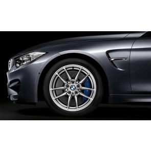 BMW Alufelge M V-Speiche 513 silber 10J x 18 ET 40 Hinterachse M3 F80 M4 F82 F83